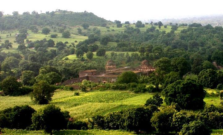 Mandu countryside red..JPG