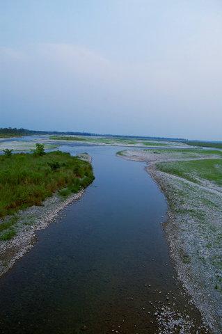 Name:  Torsha River at Hasimara Flowing Towards Coochbehar-Bangladesh Border.jpg Views: 571 Size:  24.9 KB