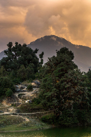 Name:  Sunset-from-Deoriatal.jpg Views: 66 Size:  40.5 KB